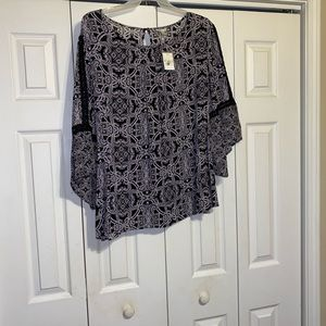 Brand new women's Cato top